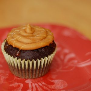 It's A Kitchen Addiction's One Month Blogging Anniversary! + Chocolate-Graham Cupcakes w/Honey-Drizzled Peanut Butter Frosting