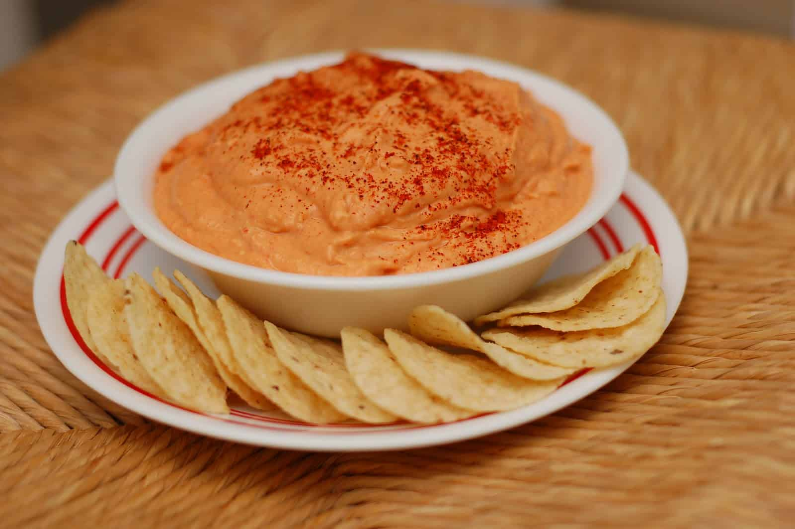 Roasted Red Pepper and Garlic Hummus - A Kitchen Addiction