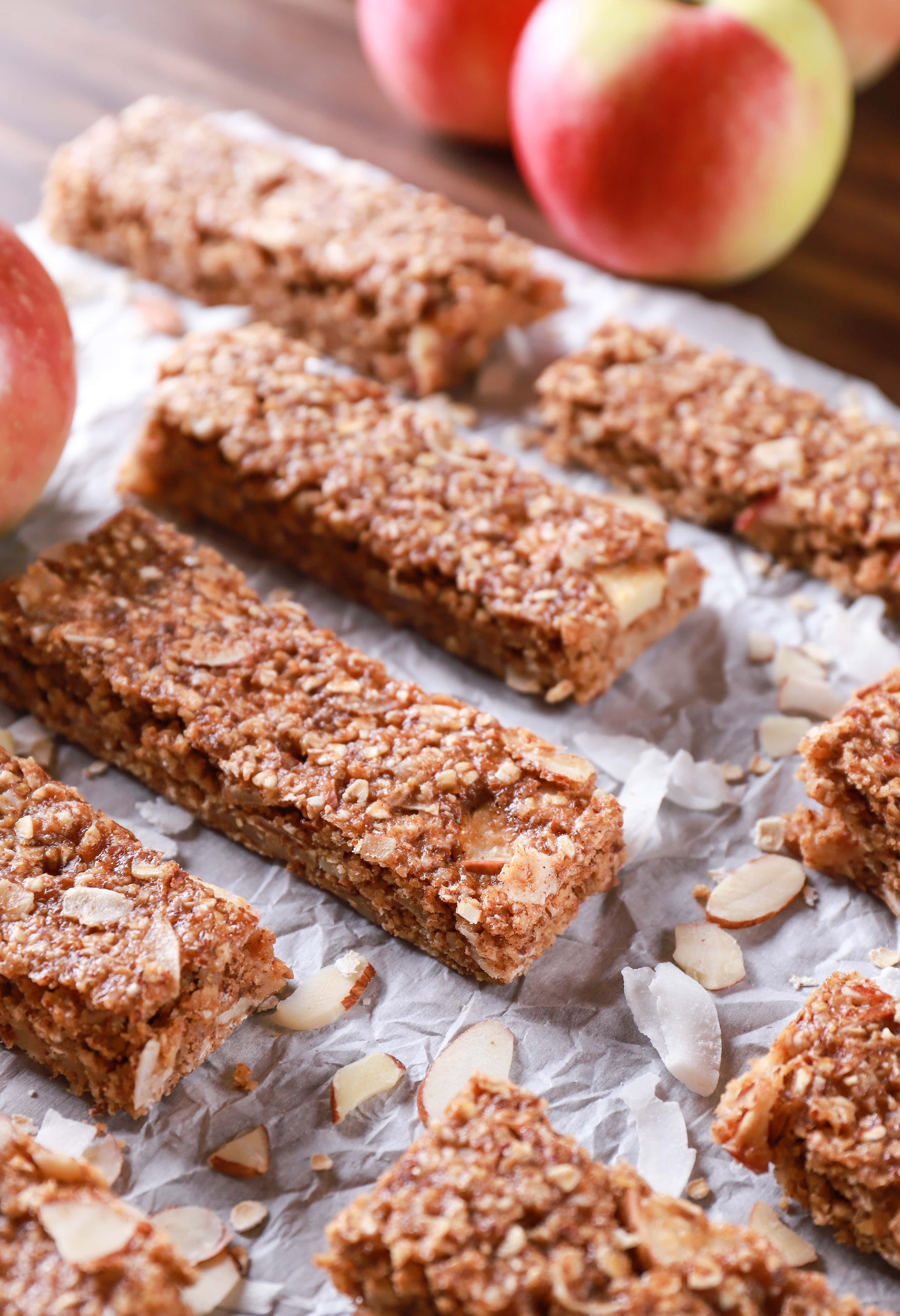Soft Baked Apple Almond Granola Bars with apples, coconut, sliced almonds, and oats. Recipe from A Kitchen Addiction
