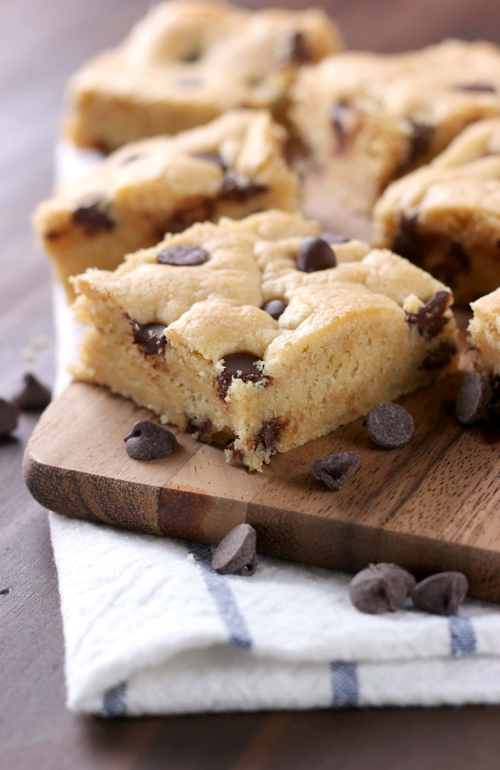 Easy Chocolate Chip Bars Recipe from A Kitchen Addiction