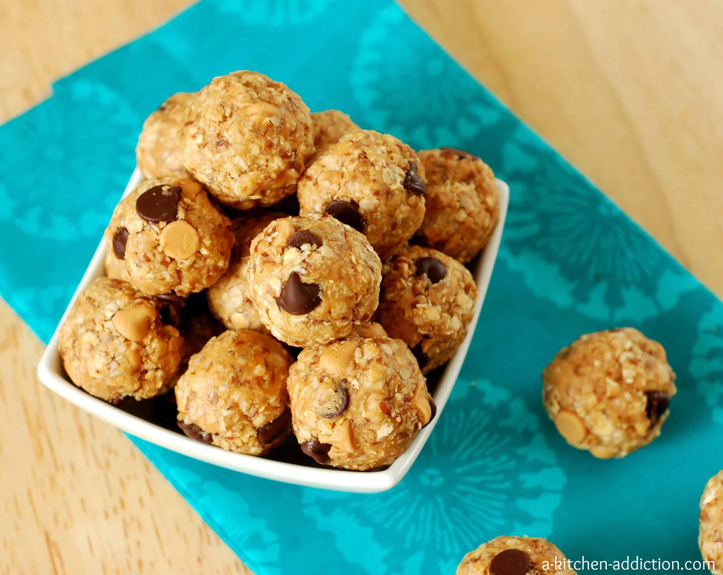 Peanut Butter & Dark Chocolate Chip No Bake Granola Bites - A Kitchen ...
