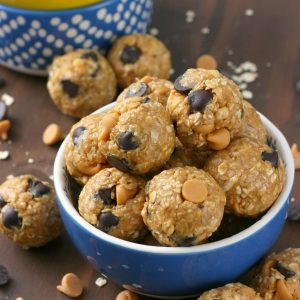 Peanut Butter Dark Chocolate Chip No Bake Granola Bites