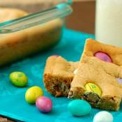 Peanut Butter M&M Cookie Bars Recipe l www.a-kitchen-addiction.com