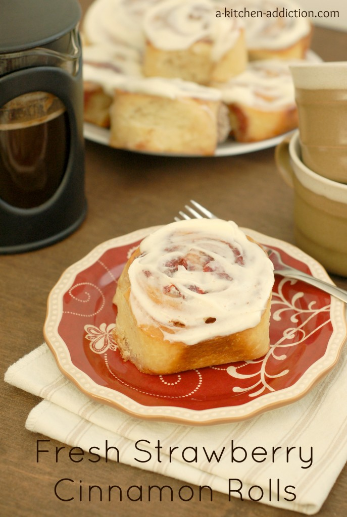 Fresh Strawberry Cinnamon Rolls Recipe