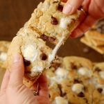 S'mores Cookie Bars Recipe l www.a-kitchen-addiction.com
