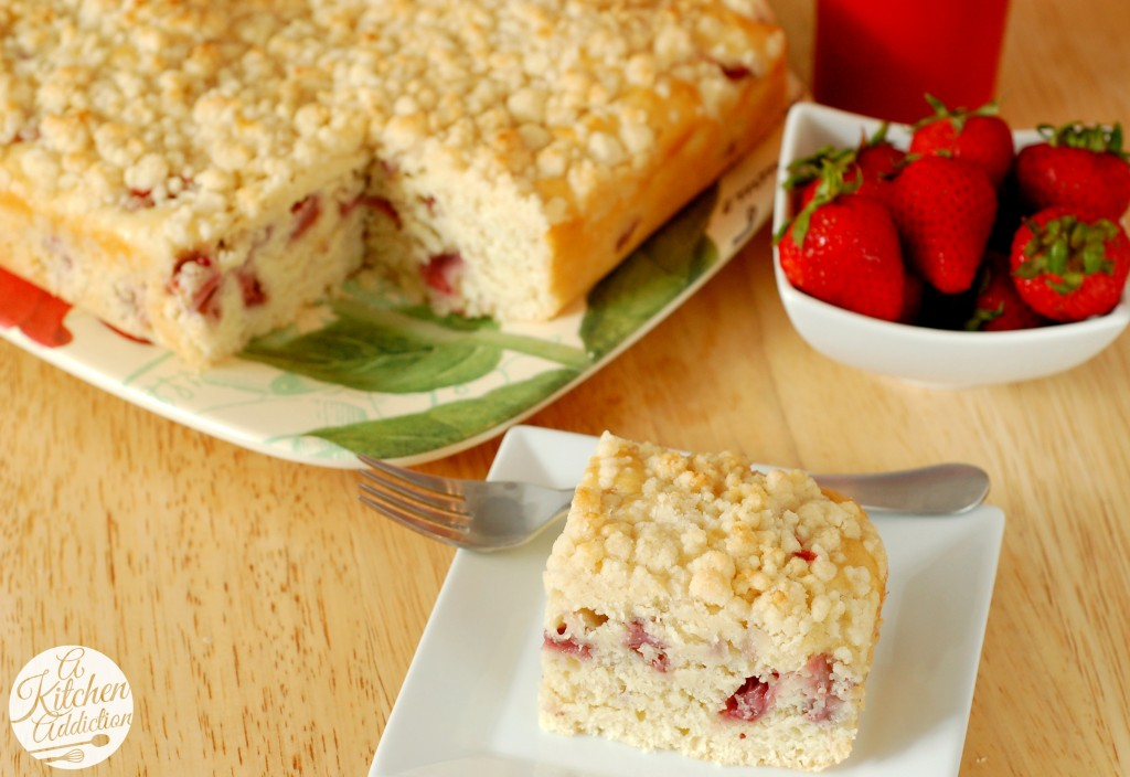 Fresh Strawberry Lemon Yogurt Cake Recipe l www.a-kitchen-addiction.com