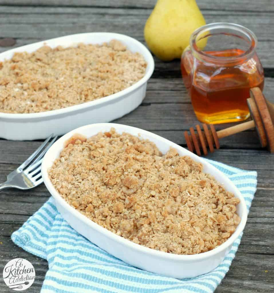 Honey Pear Crisp Recipe l www.a-kitchen-addiction.com