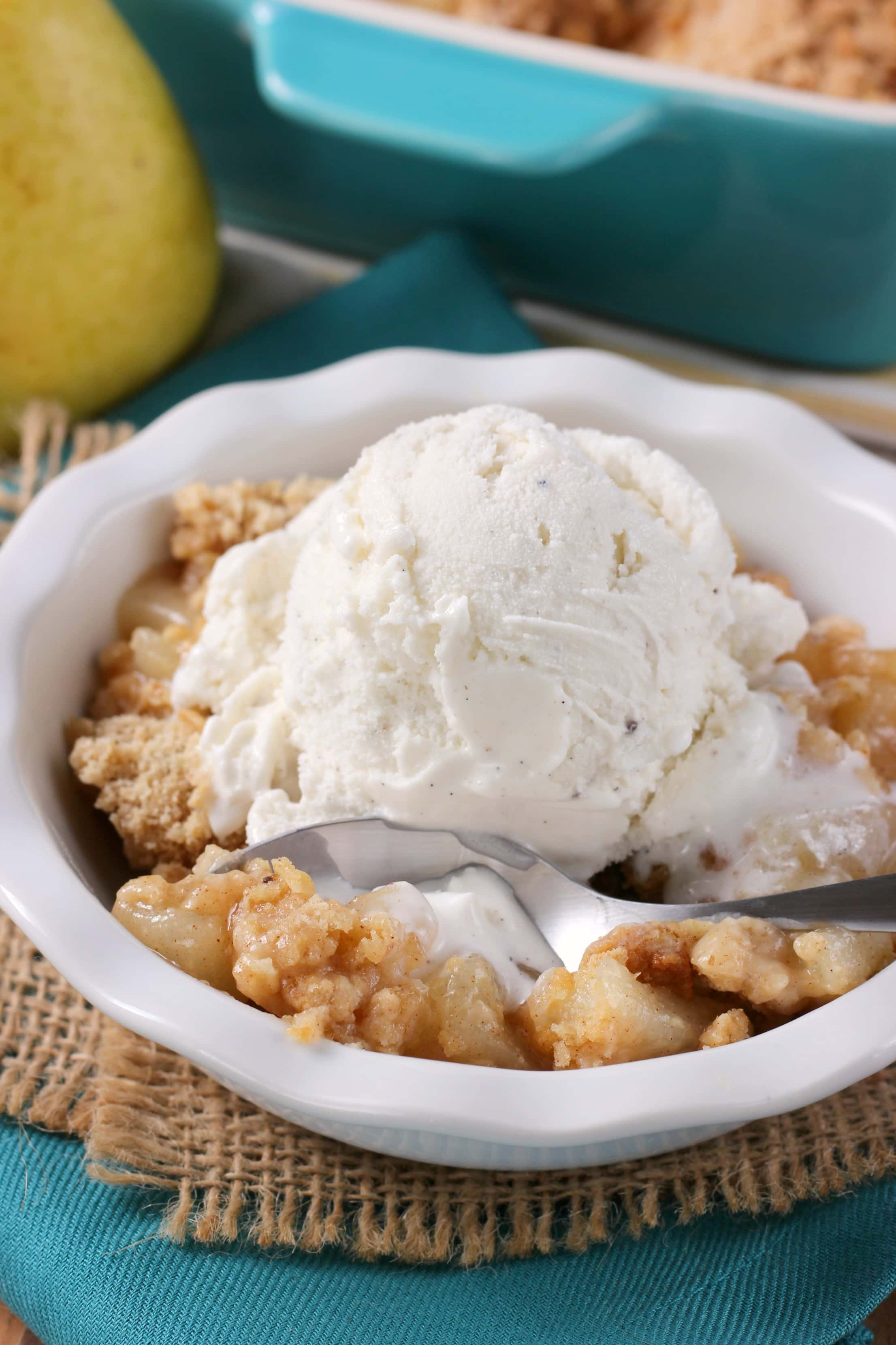 Easy Honey Pear Crisp Recipe from A Kitchen Addiction