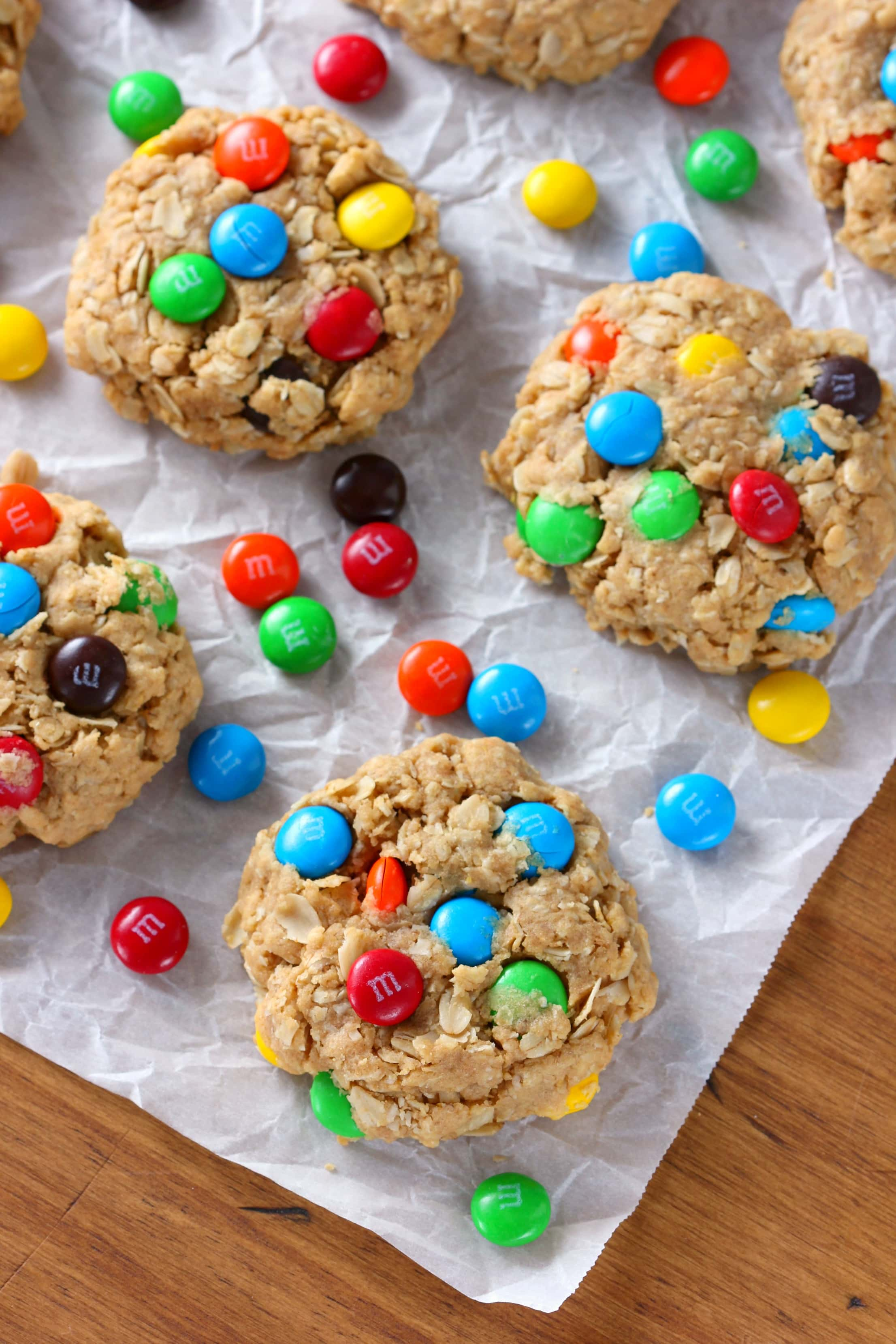 Chewy M+M Peanut Butter Oatmeal Cookies Recipe from A Kitchen Addiction