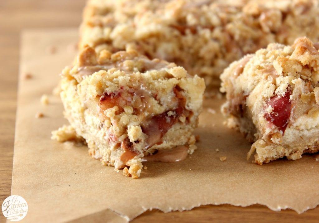 Apple-Maple Cheesecake Crumble Bars Recipe l www.a-kitchen-addiction.com