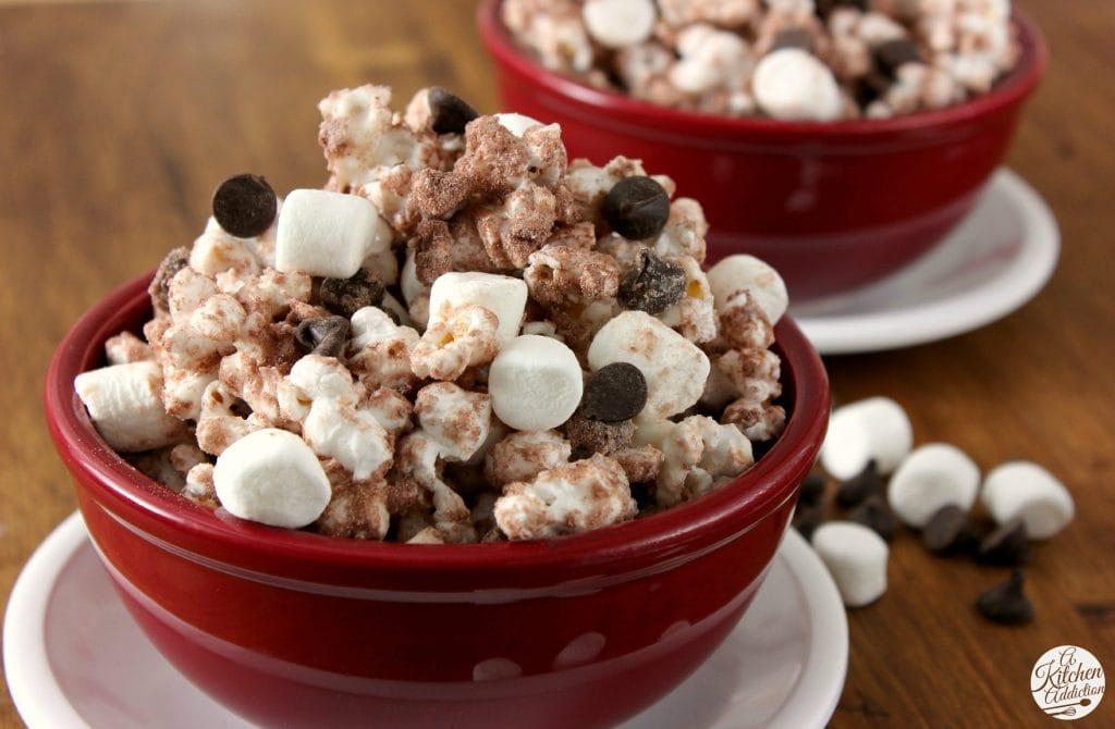 Hot Chocolate Popcorn Recipe l www.a-kitchen-addiction.com