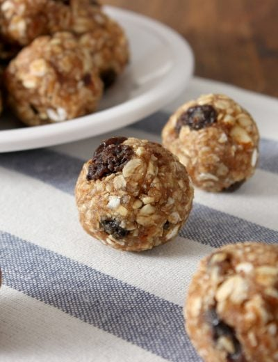 Oatmeal Raisin Cookie Granola Bites Recipe l www.a-kitchen-addiction.com