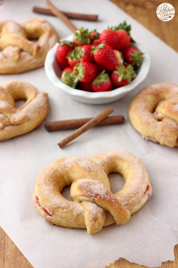 Strawberry Cream Filled Cinnamon Sugar Pretzels Recipe l www.a-kitchen-addiction.com
