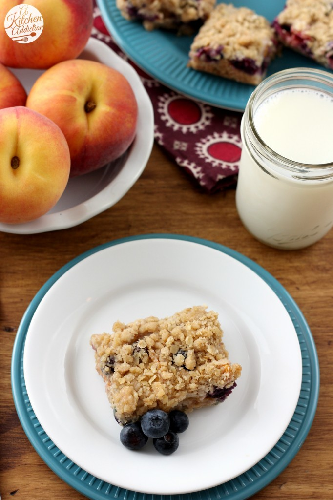 Blueberry Peach Streusel Bars Recipe l www.a-kitchen-addiction.com