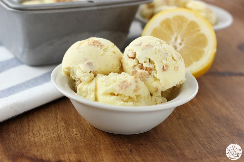 Lemon Crumb Ice Cream Recipe l www.a-kitchen-addiction.com