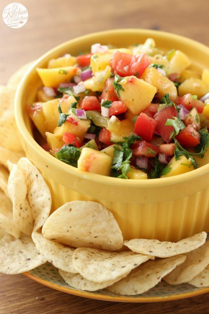Homemade Peach Salsa Recipe from www.a-kitchen-addiction.com