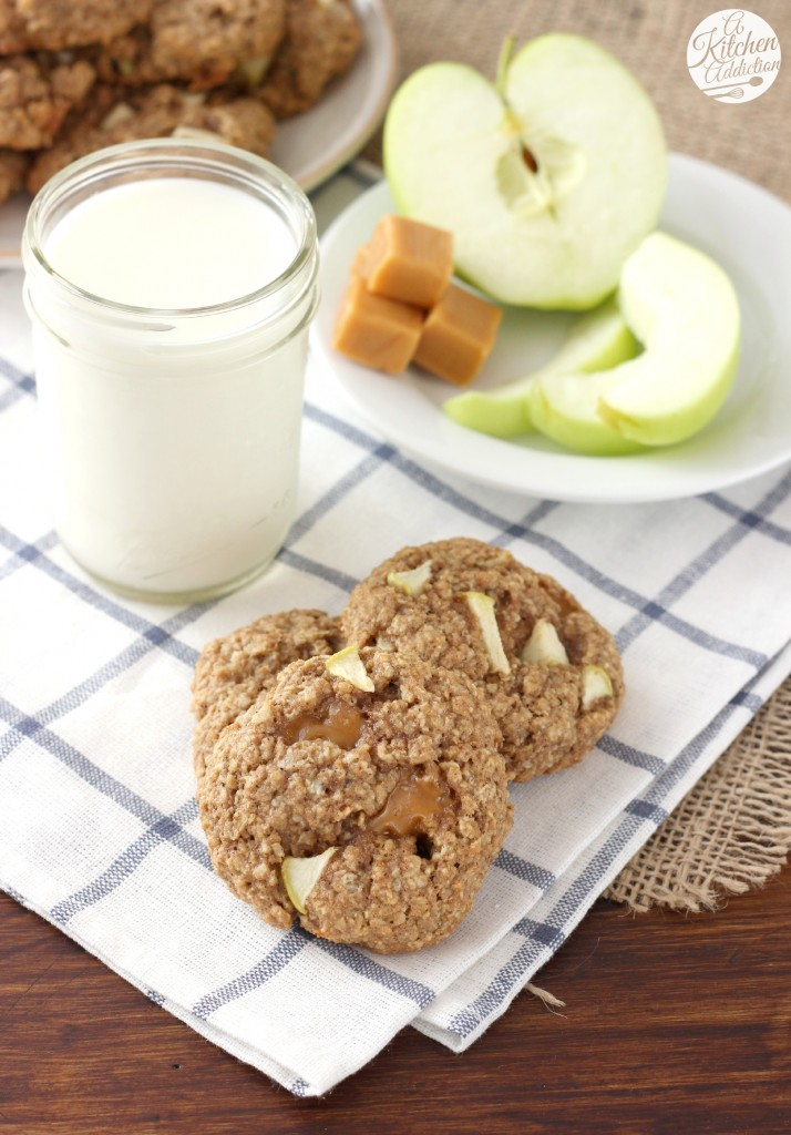 Caramel Apple Oatmeal Cookies Recipe l www.a-kitchen-addiction.com