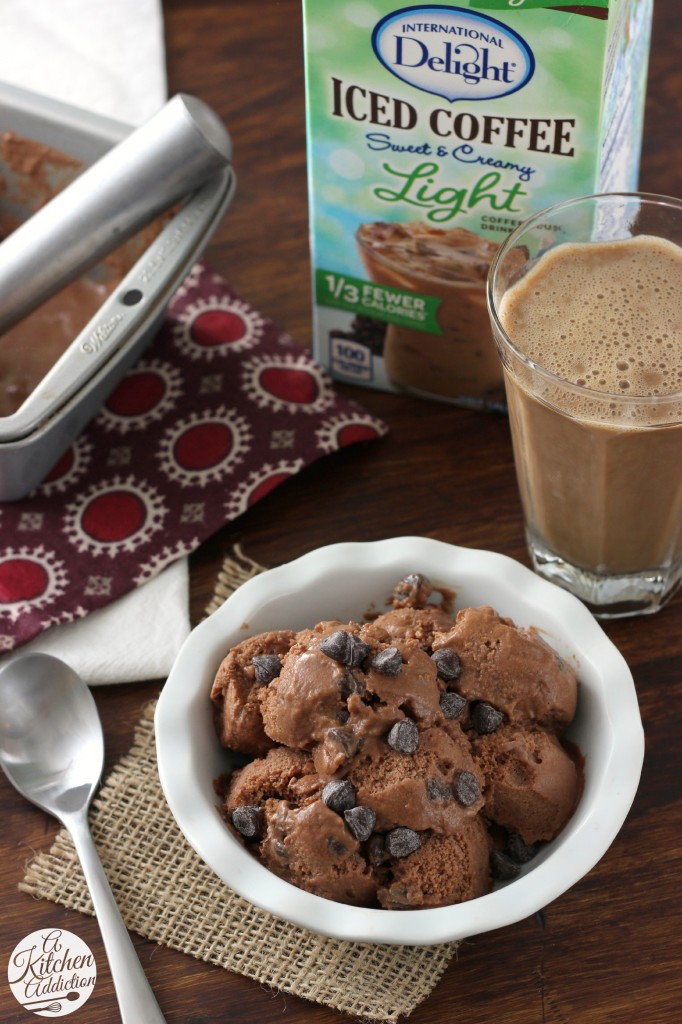 Low Fat Mocha Chip Frozen Yogurt Recipe l www.a-kitchen-addiction.com