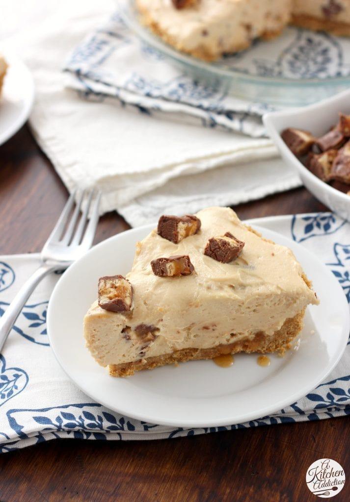 No Bake Peanut Butter Snickers Cheesecake Pie Recipe l www.a-kitchen-addiction.com