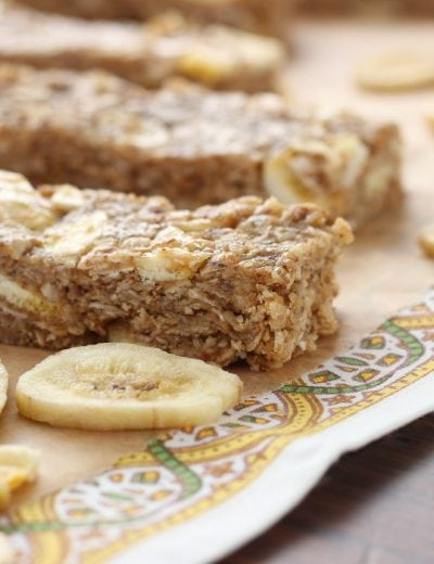 Peanut Butter Banana Chip Granola Bars (No Bake) l www.a-kitchen-addiction.com