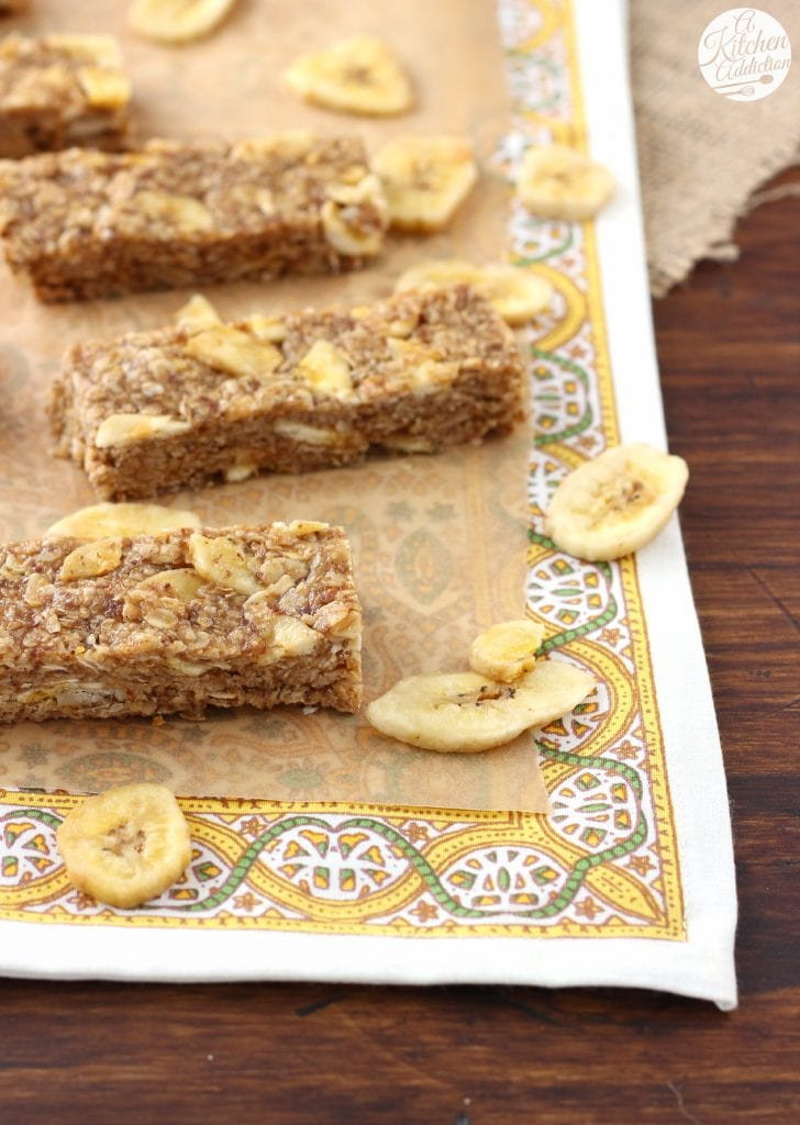 Peanut Butter Banana Chip Granola Bars (No Bake) l www.a-kitchen-addiction.com