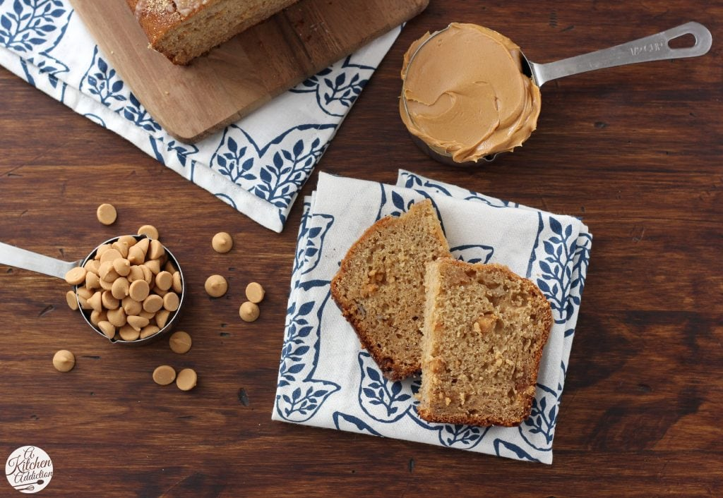 Peanut Butter Graham Banana Bread Recipe l www.a-kitchen-addiction.com