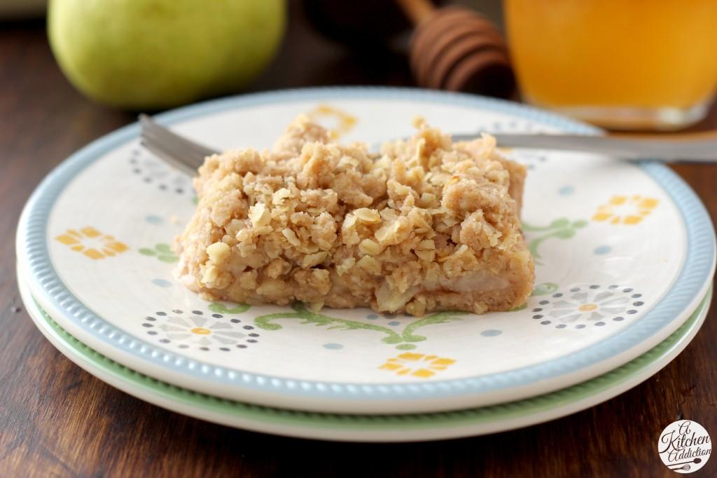 Honey Pear Crisp Bars Recipe l www.a-kitchen-addiction.com