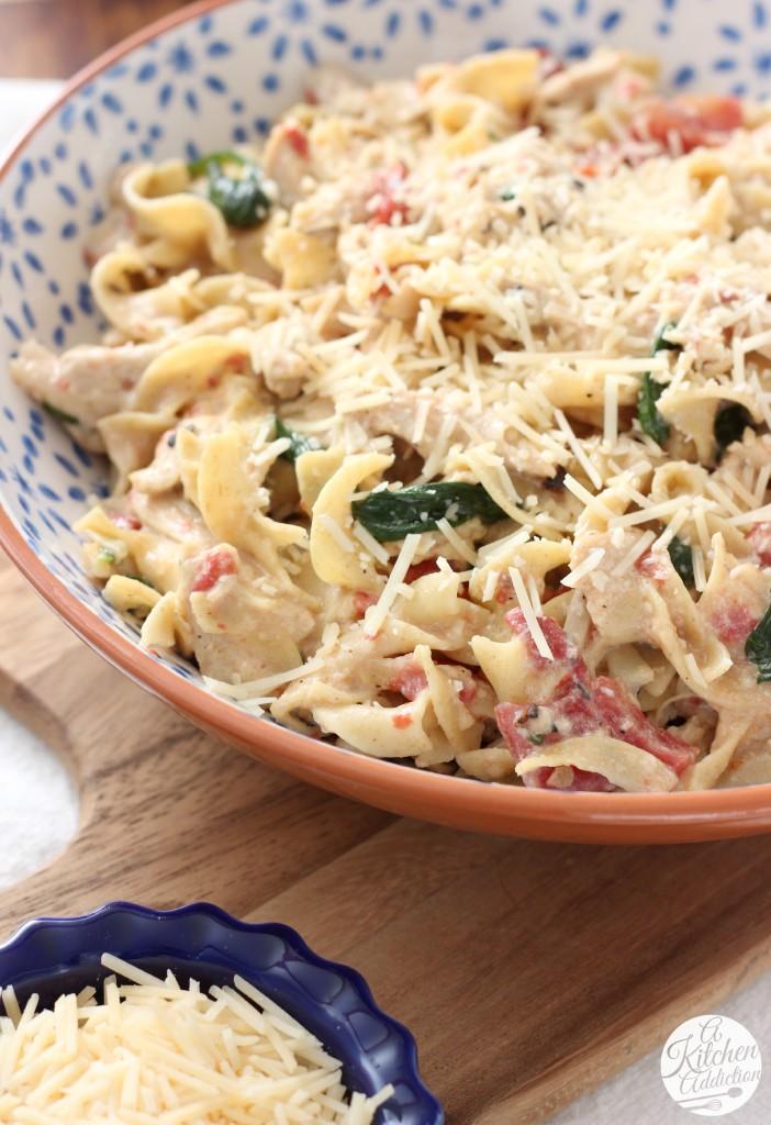 Creamy Garlic Parmesan Chicken and Noodles Casserole Recipe l www.a-kitchen-addiction.com