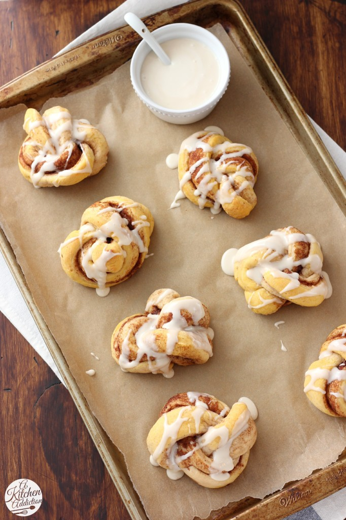 Pumpkin Spice Cinnamon Knots Recipe from A Kitchen Addiction