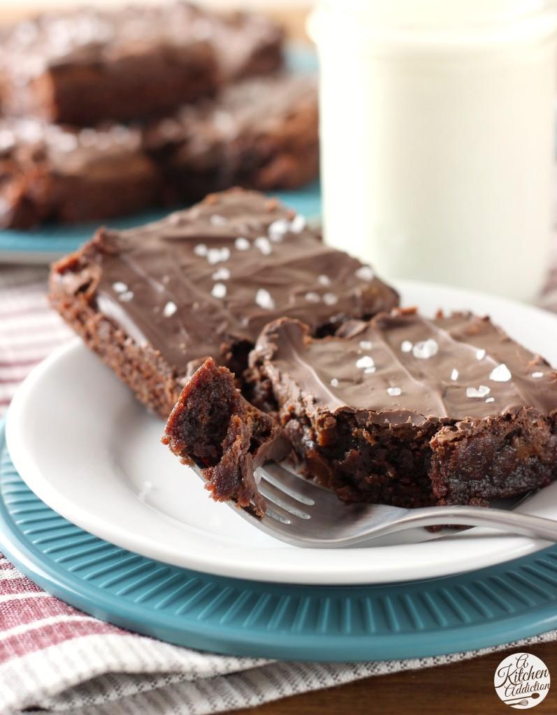 Salted Dulce de Leche Brownies Recipe l www.a-kitchen-addiction.com