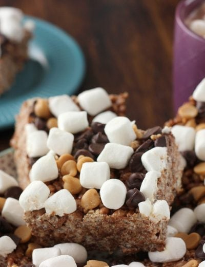 Easy Peanut Butter Hot Chocolate Rice Crispy Treats Recipe l www.a-kitchen-addiction.com
