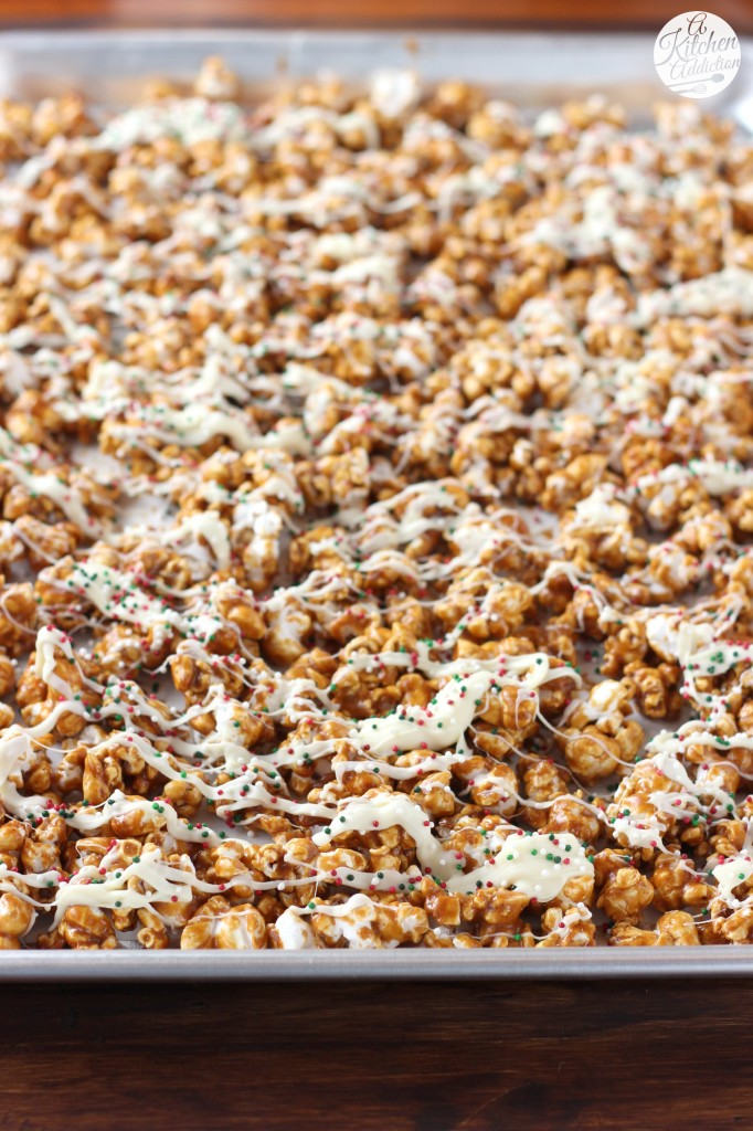 White Chocolate Drizzled Gingerbread Caramel Corn Recipe l www.a-kitchen-addiction.com