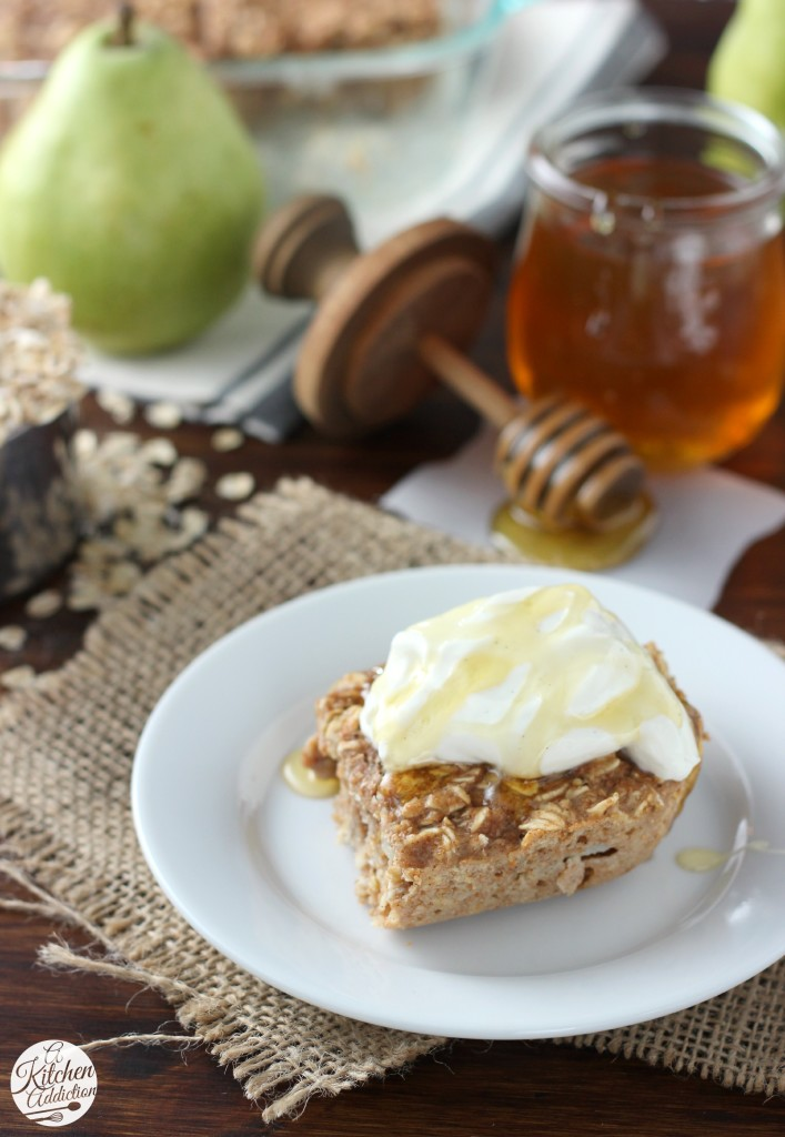 Cinnamon Pear Yogurt Baked Oatmeal l www.a-kitchen-addiction.com