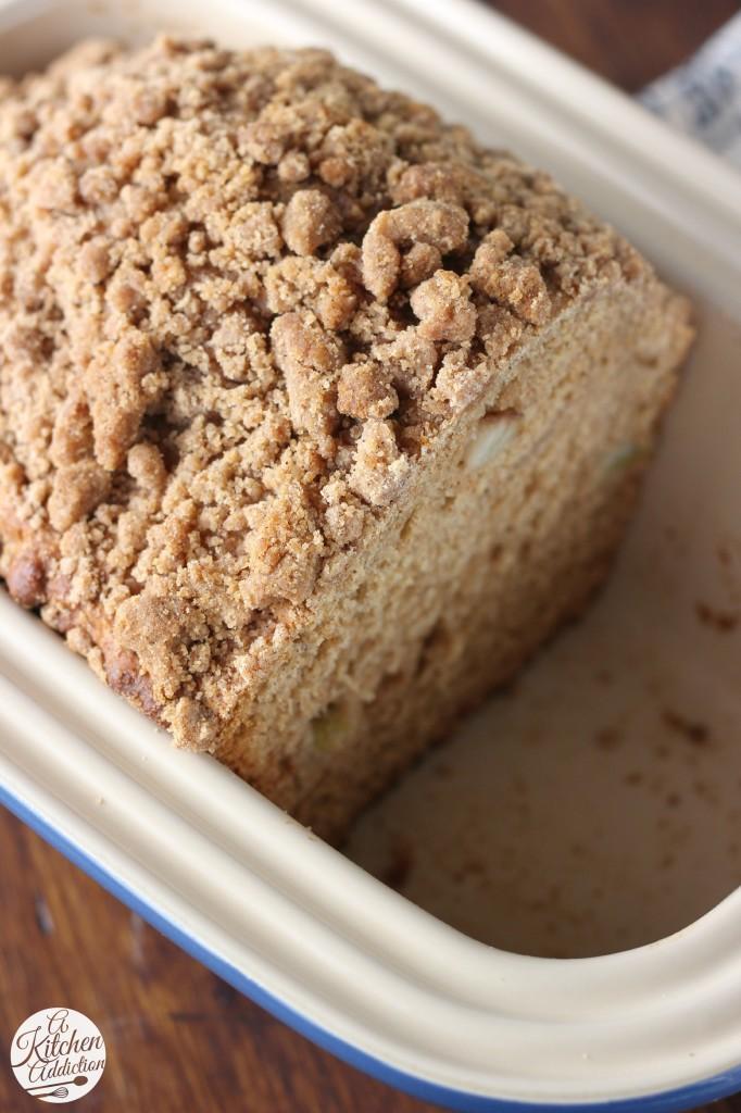 Healthier Cinnamon Pear Yogurt Quick Bread Recipe l www.a-kitchen-addiction.com