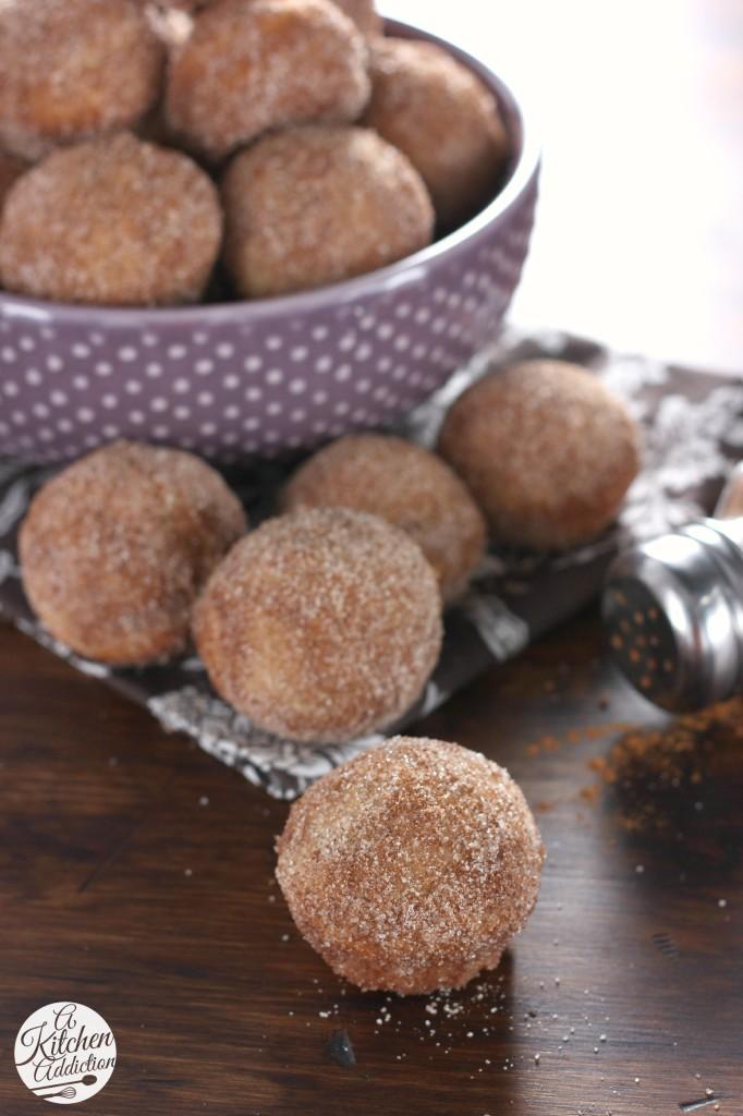 Cinnamon Sugar Chai Donut Muffins Recipe l www.a-kitchen-addiction.com