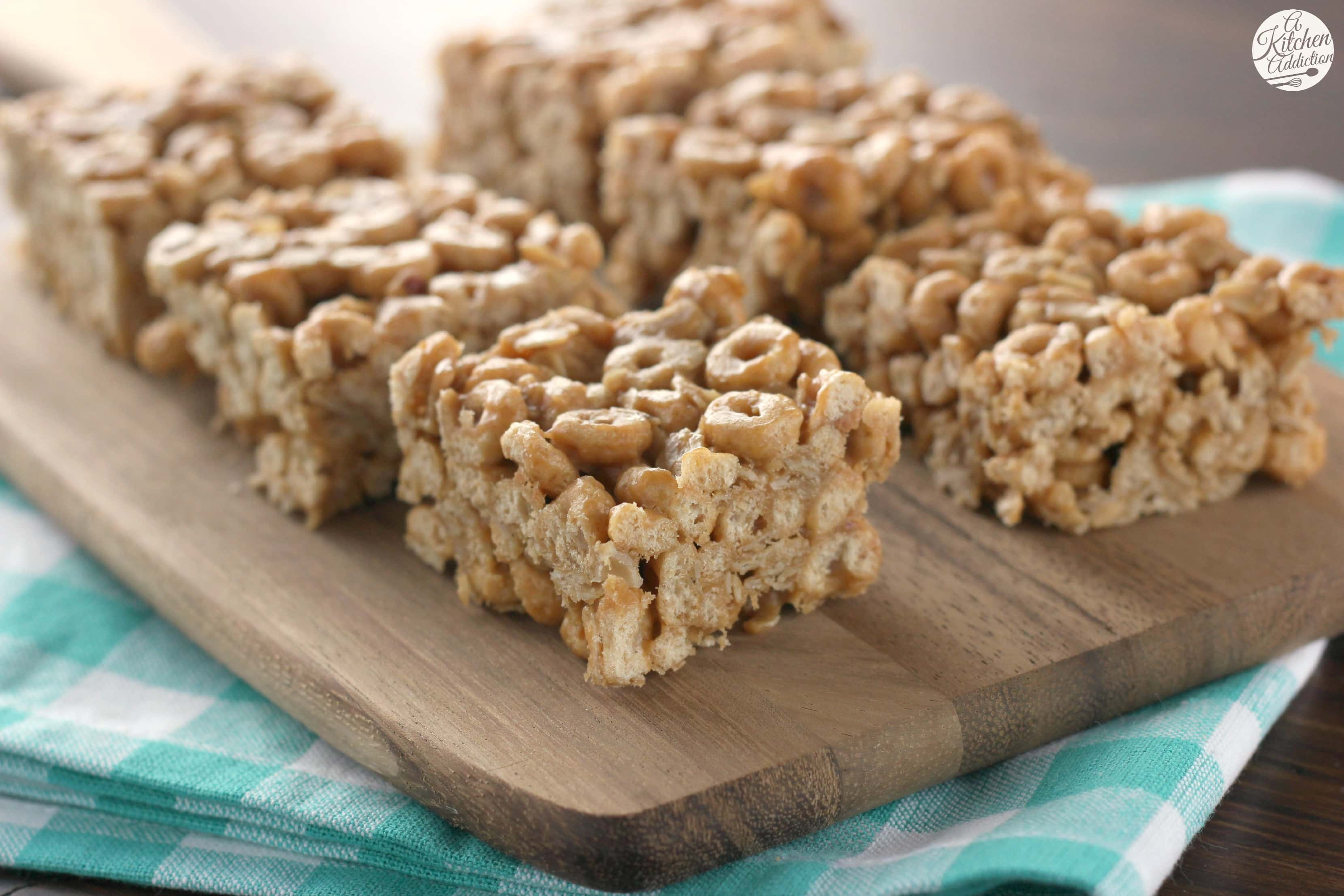 Peanut butter honey cereal bars a kitchen addiction peanut butter honey cereal bars recipe l a kitchen addiction ccuart Image collections