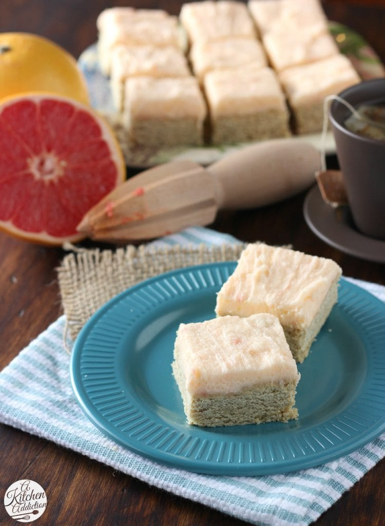 Snickerdoodle Cookie Bars with Grapefruit Buttercream Frosting l www.a-kitchen-addiction.com
