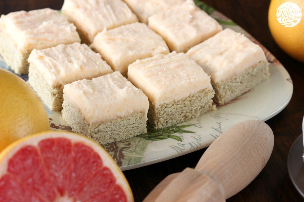Snickerdoodle Cookie Bars with Grapefruit Buttercream l www.a-kitchen-addiction.com