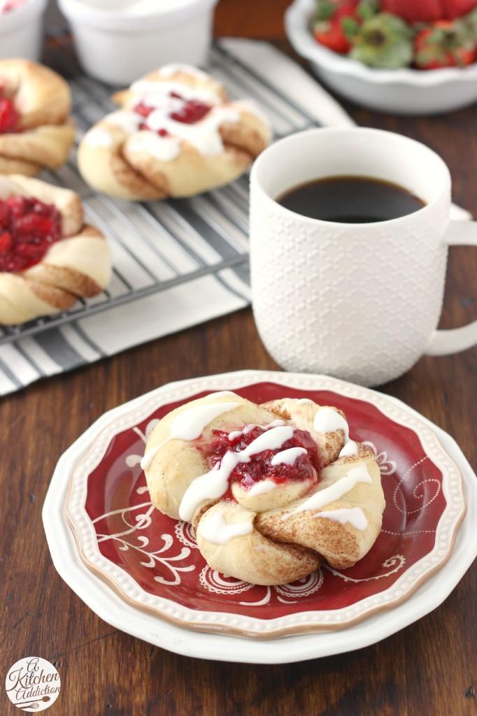 Strawberry Filled Cinnamon Twists Recipe from www.a-kitchen-addiction.com