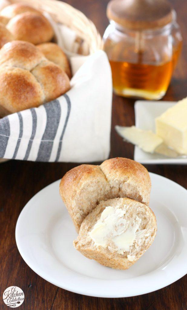 Honey Wheat Cloverleaf Rolls Recipe l www.a-kitchen-addiction.com