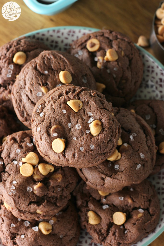 Salted Chocolate Peanut Butter Chip Cookies Recipe l www.a-kitchen-addiction.com