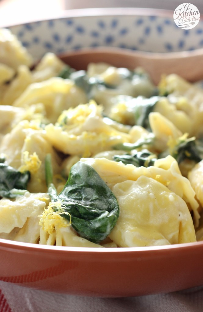 Tortellini with Spinach and Lemon Cream Sauce Recipe l www.a-kitchen-addiction.com