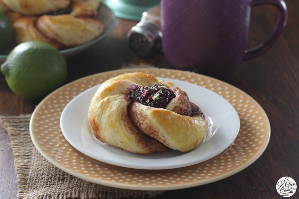 Blackberry Filled Cinnamon Twists Recipe l www.a-kitchen-addiction.com