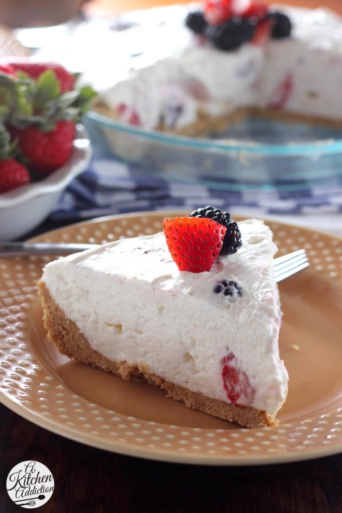 No Bake Berry Cream Pie l www.a-kitchen-addiction.com