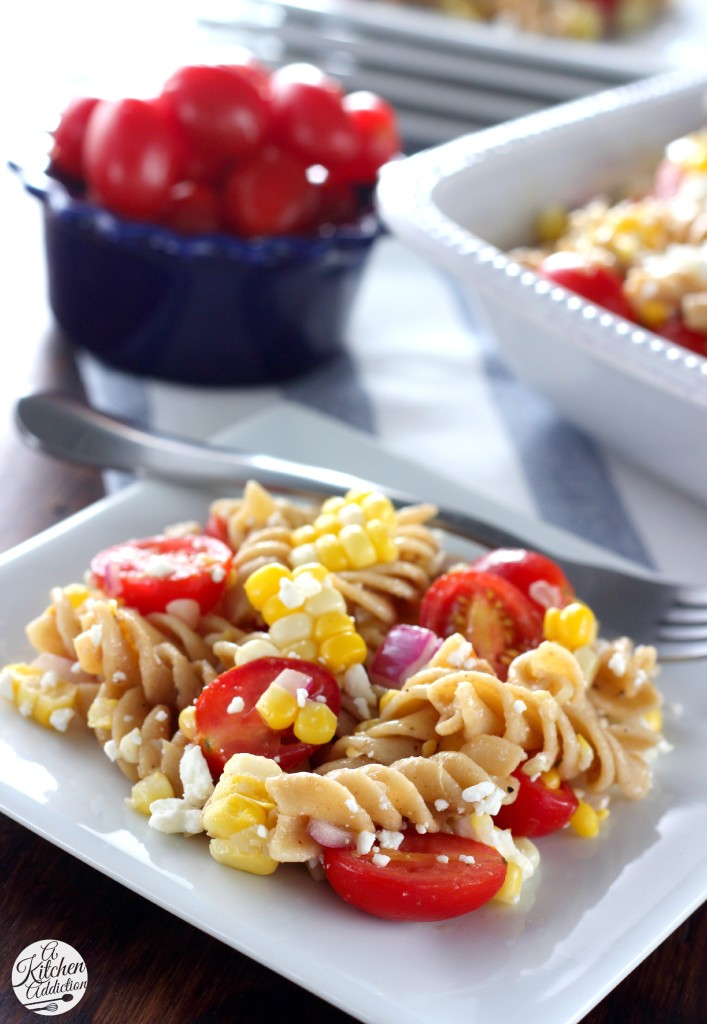 Fresh Corn and Tomato Pasta Salad Recipe l www.a-kitchen-addiction.com