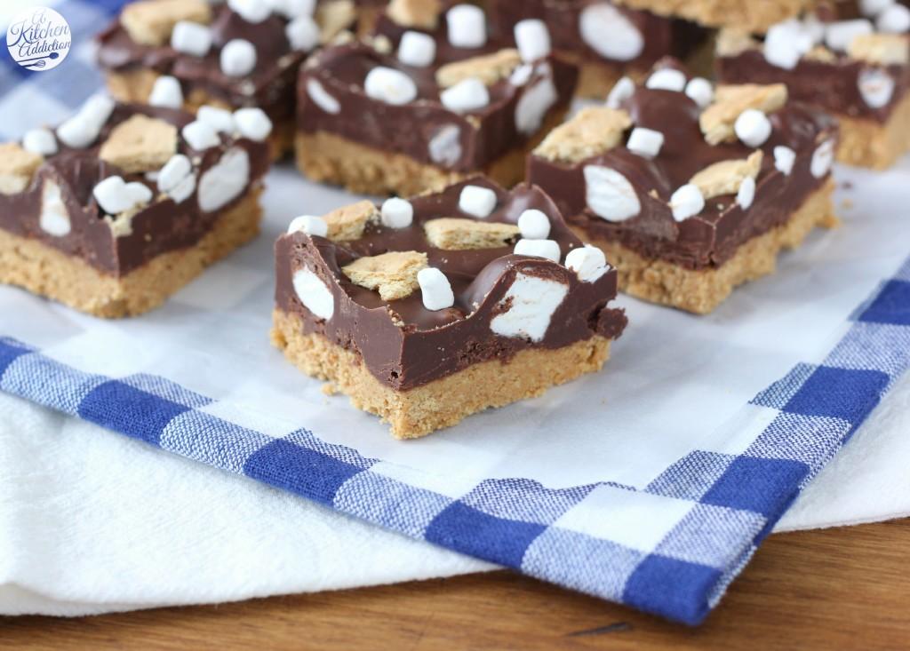 No Bake Dark Chocolate Peanut Butter Smores Bars l www.a-kitchen-addiction.com