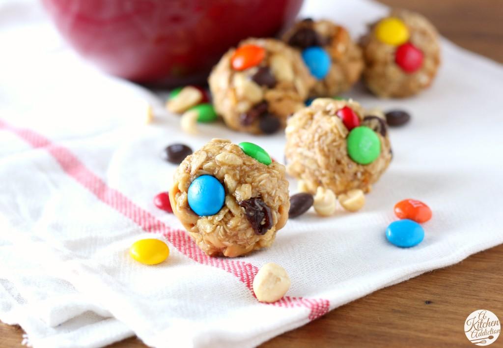 Easy Peanut Butter Chocolate Trail Mix Bites Recipe l www.a-kitchen-addiction.com