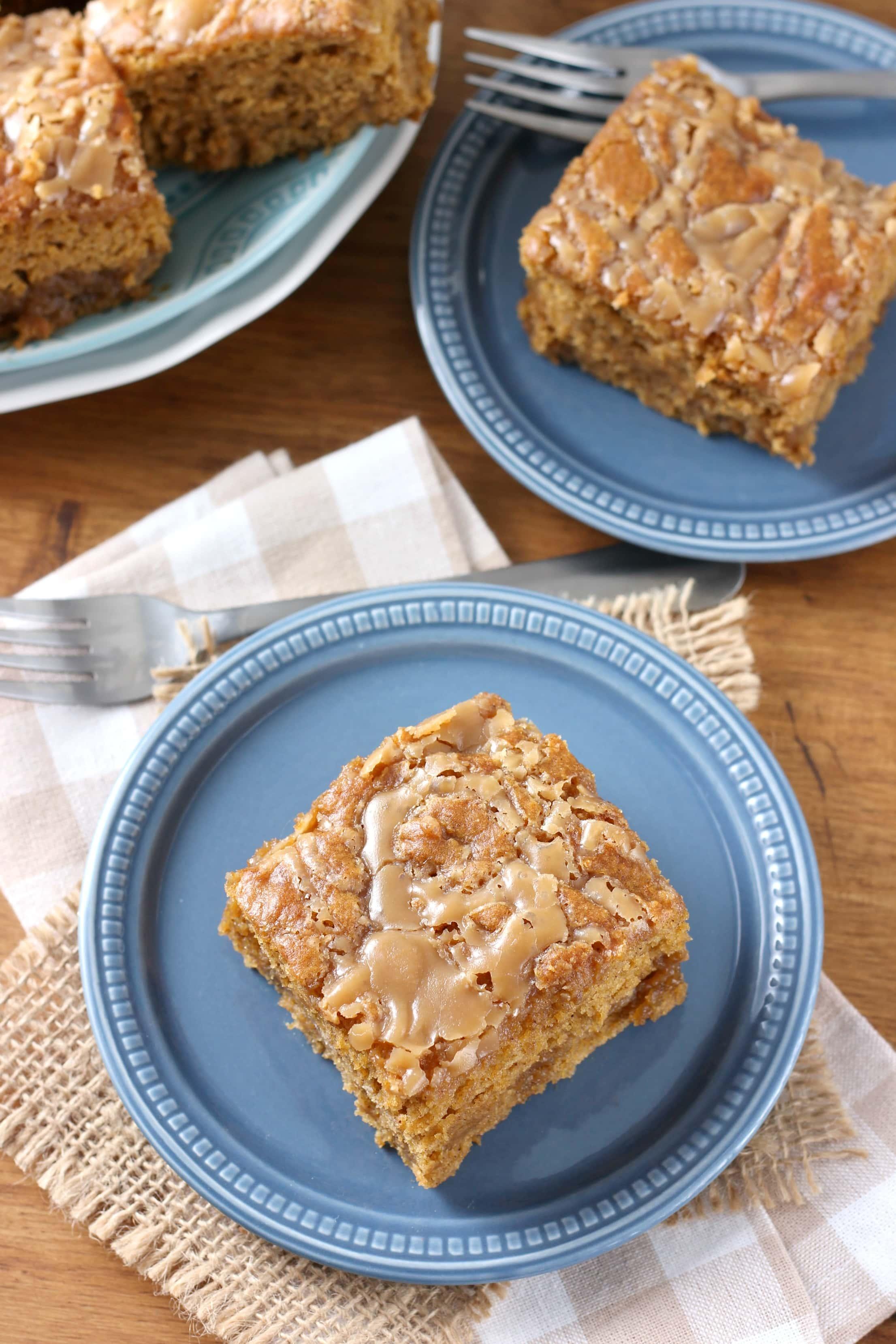 Gooey Salted Caramel Pumpkin Cake - A Kitchen Addiction