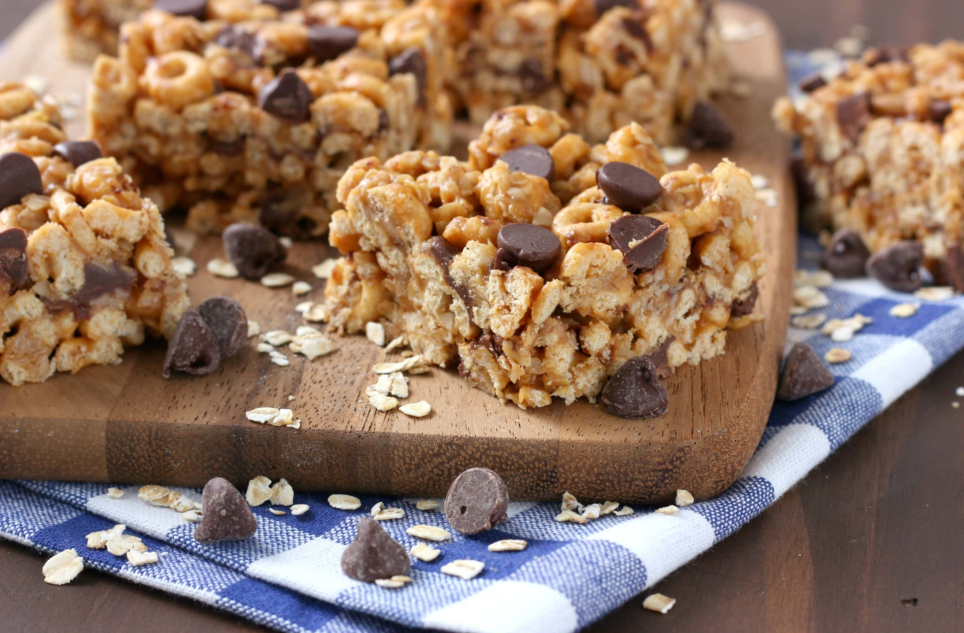 Chocolate Peanut Butter Honey Cereal Bars - A Kitchen ...