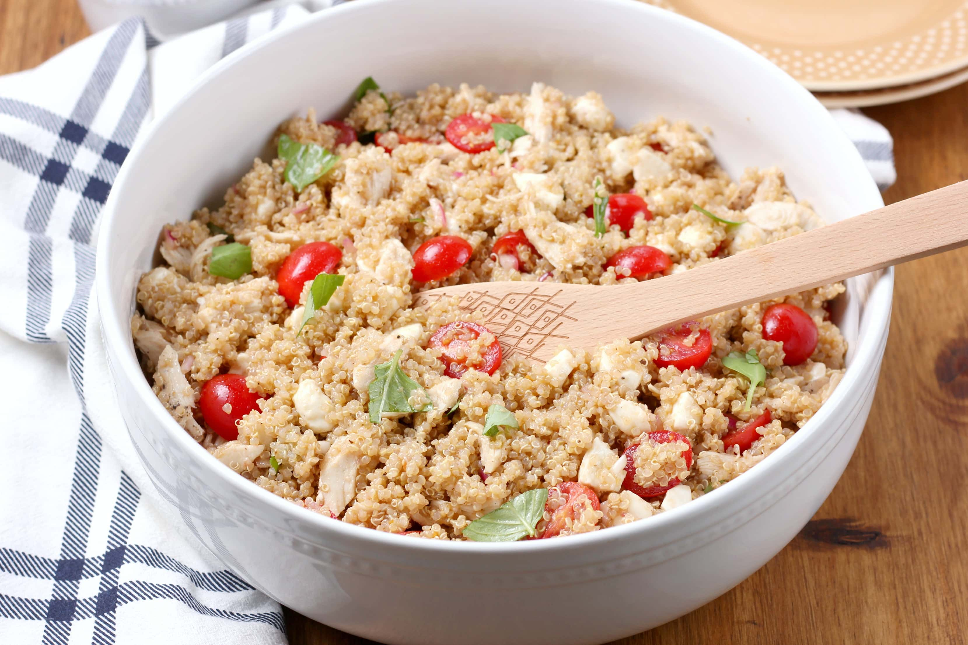 Chicken Caprese Quinoa Salad Recipe from A kitchen Addiction